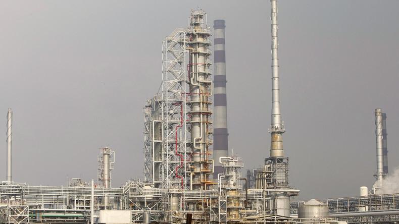 Ölraffinerie an der Drushba-Trasse, die Erdöl aus Russland nach Europa transportiert in der Nähe von Mozyr / Minsk, im September 2013.