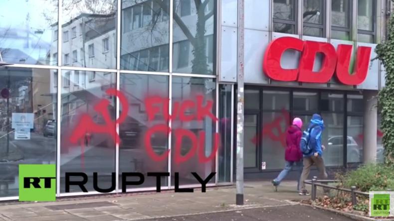 """Stuttgart: """"Fuck CDU"""" - Stuttgarter CDU-Büro erscheint nach Vandalismus in """"neuem Rot"""""""
