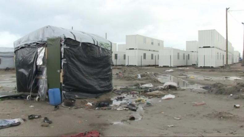 Live: Flüchtlingscamp in Calais soll mit Bulldozern zerstört werden - Hunderte weigern sich zu gehen