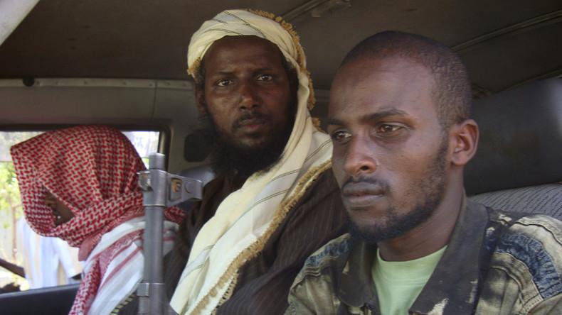 Al-Kaida-Ableger Al-Schabab erobert kenianische Militärbasis in Somalia  - Dutzende Tote