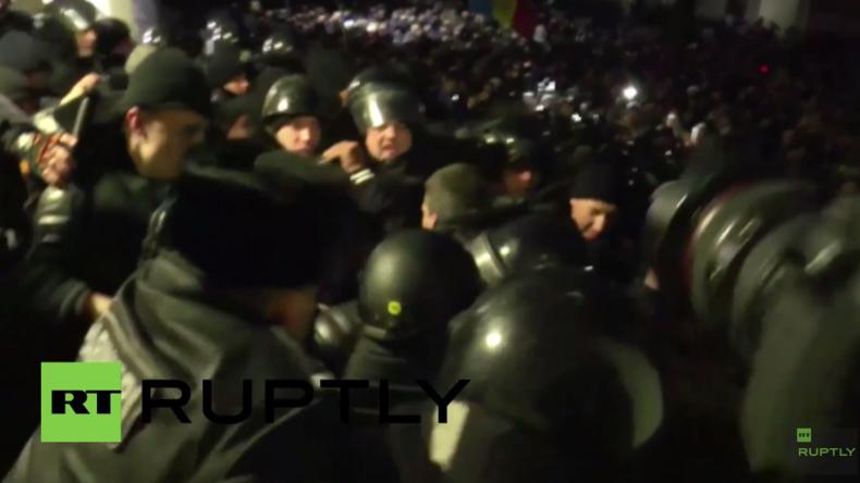 Moldawien: Wütende Protestler stürmen Parlamentsgebäude wegen Pro-EU-Kurs der Regierung