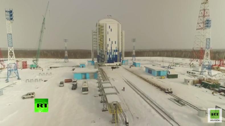 RT-Exklusiv-Aufnahmen: Drohne erlaubt Gesamtüberblick auf Russlands neuen Weltraumbahnhof