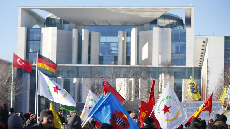 Künstler schreiben Offenen Brief an Merkel: Mehr Einsatz für Rechtsstaatlichkeit in der Türkei