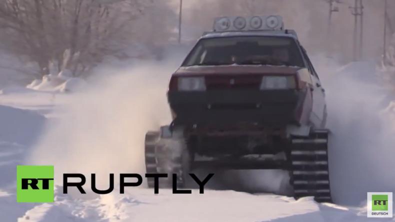 """Russland: Dem sibirischen Winter zum Trotz – Mann baut sich """"Schneeketten-Fahrzeug"""" aus einem Lada"""