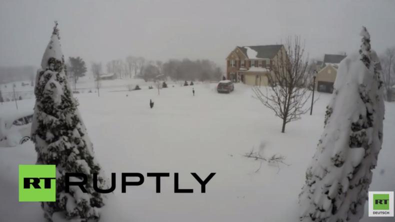 """USA: Zeitraffer-Aufnahme aus Urbana zeigt  """"Snowzillas"""" Schneefall"""