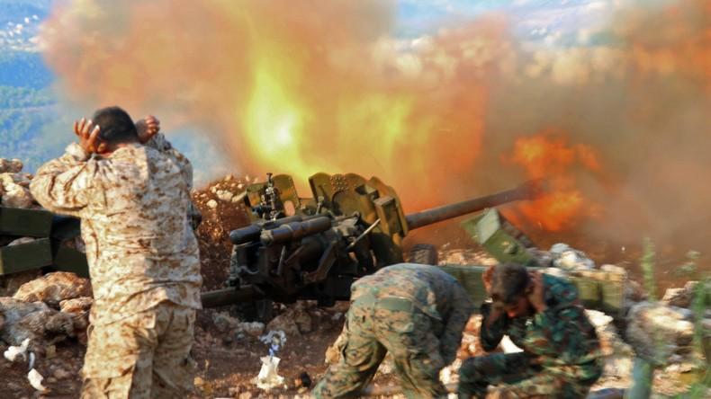 RT-Reportage: Artillerie-Einheit der syrischen Armee im Kampf gegen Al-Nusra