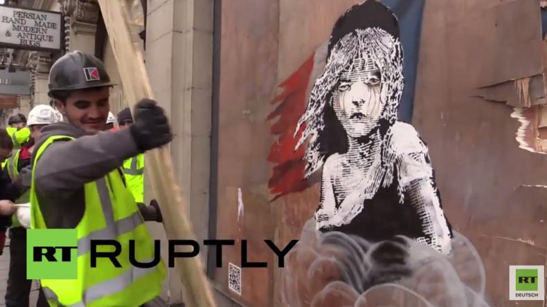 Zu unbequem? Neuestes Banksy-Kunstwerk zur Flüchtlingskrise in London abgedeckt