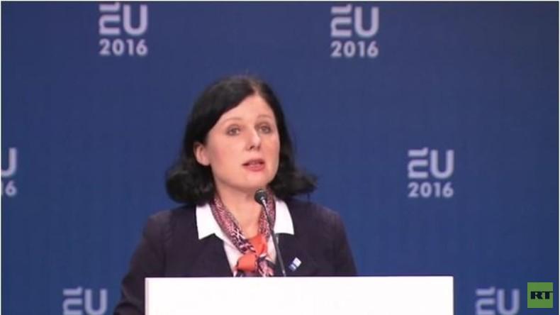 EU Kommissarin Jourova zu Online-Wirtschaft und mehr Datenaustausch über Kriminalität
