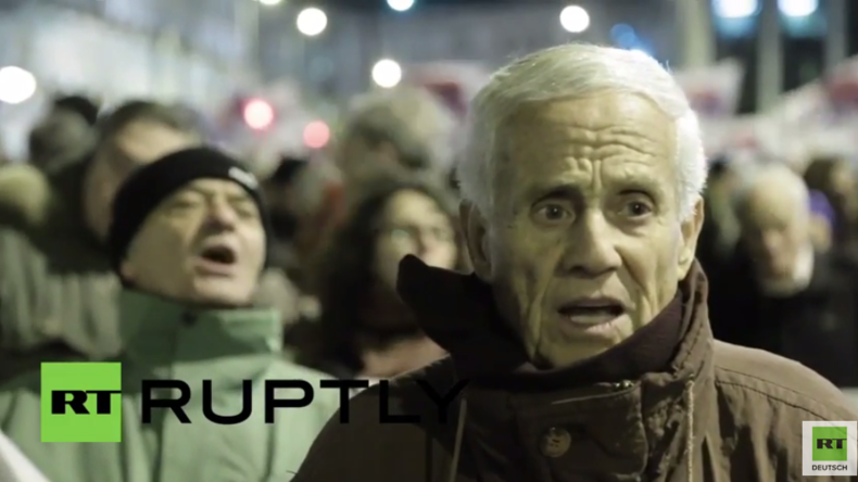 """Athen: """"Die Regierung führt jeden Befehl der EU aus"""" - Tausende protestieren gegen erneute Reformen"""