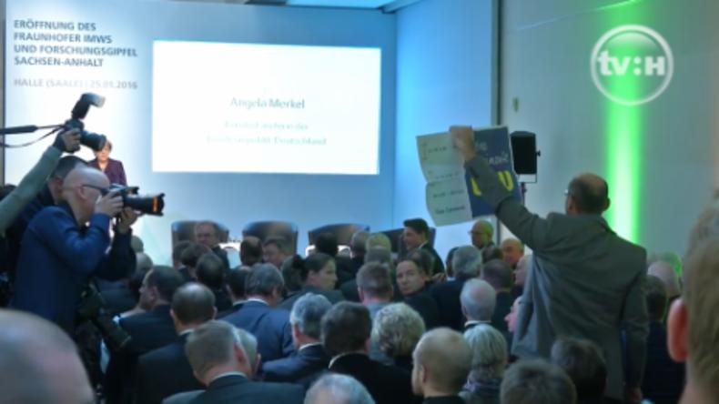 Chemieprofessor kritisiert Merkel – Hochschule droht ihm mit juristischen Schritten
