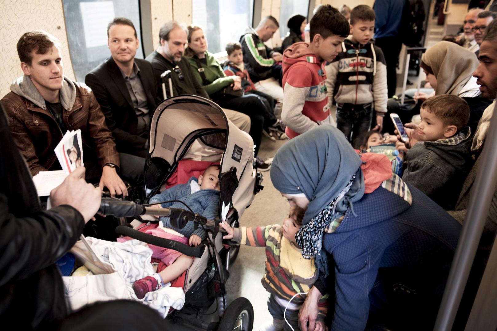 Auch den Kinderwagen? Asylsuchende in Dänemark: Sie sollen bald alle Besitztümer die die Gesamtsumme von 1.340 Euro überschreiten abgeben