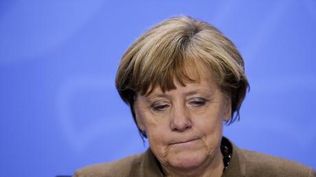 Der Rückhalt führ ihre Politik schwindet in der bundesdeutschen Bevölkerung schwindet laut Umfragen...