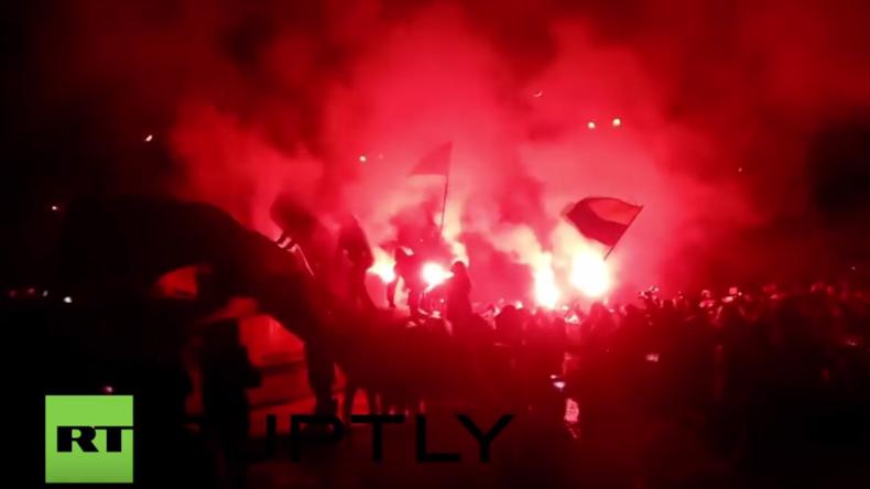 Ukraine: Nationalisten stürzen Denkmal für sowjetischen Revolutionär Petrowski in Dnepropetrowsk