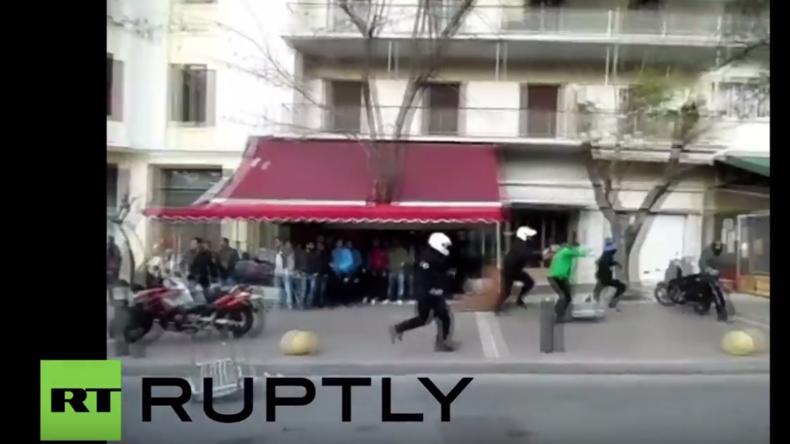 Griechenland: Polizei macht Jagd auf Migranten – Zahlreiche Verhaftungen