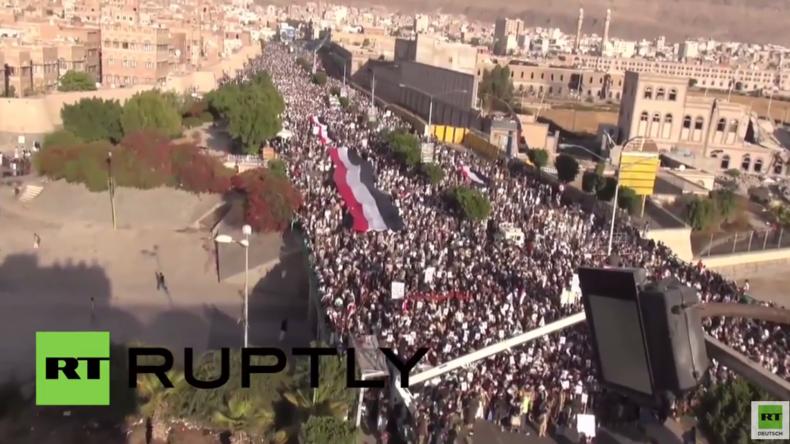 Jemen: Gegen Saudi-Arabien und die USA - Riesiger Anti-Kriegsprotest in Saana