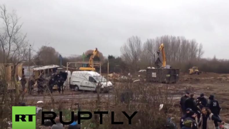 """""""Dschungel von Calais"""": Behörden reißen Camp-Kirche ab"""