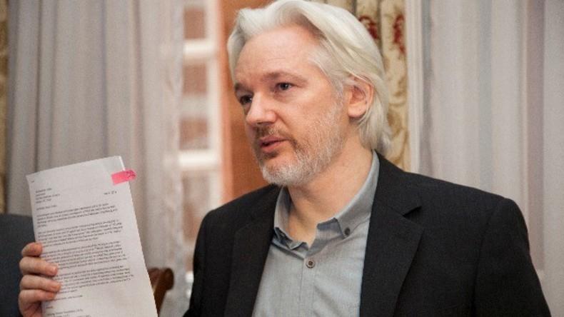 Live von der ecuadorianischen Botschaft in London: Stellt sich Julian Assange der Polizei?