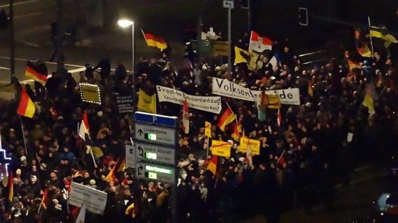 """Live aus Dresden: Pegida ruft Anhänger zur """"Festung Europas"""" - Gegenproteste angekündigt"""