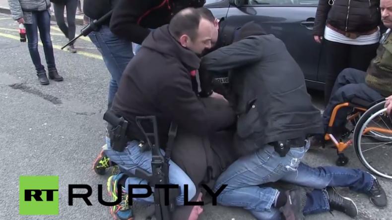 Pegida-Demo in Calais: Ehemaliger Kommandant der Französischen Fremdenlegion unter Verhafteten