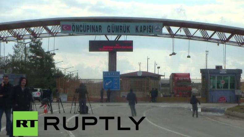 Live: Tausende Flüchtlinge an türkisch-syrischer Grenze erwartet - Grenze bleibt für Flüchtende zu