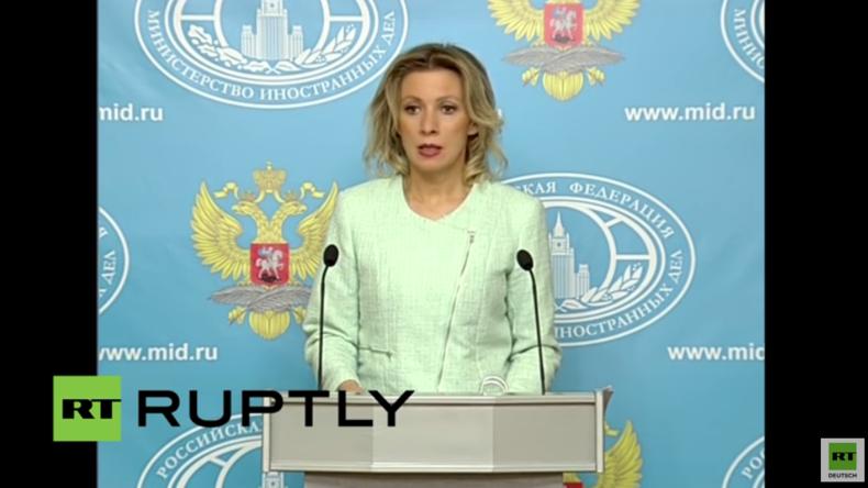 Live: Wöchentliche Pressekonferenz von  Maria Zacharowa in Moskau - englische Übersetzung