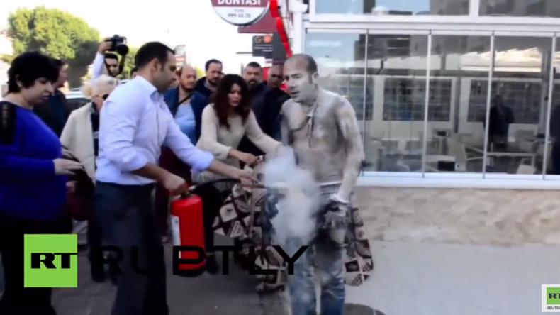 Türkei: Mann zündet sich aus Protest gegen seine Arbeitslosigkeit an und stirbt