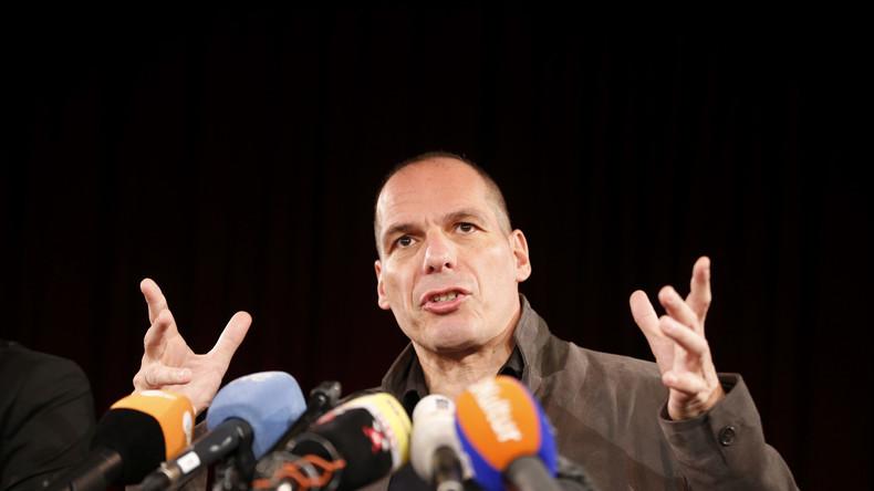 Griechenlands ehemaliger Finanzminister bei der Pressekonferenz der neuen europäischen Bewegung DiEM 25 (Democracy in Europe Movement 2025) in der Volksbühne in Berlin, 9. Februar 2016.