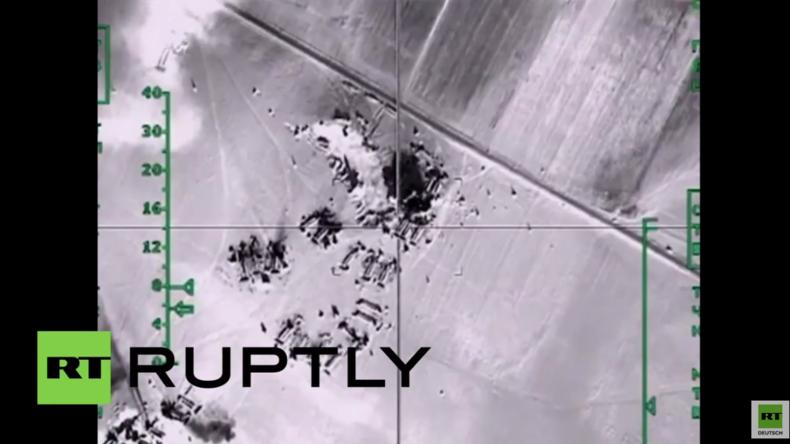 Syrien: Russische Luftwaffe zerstört offene Öltanks des IS in der Provinz von Aleppo