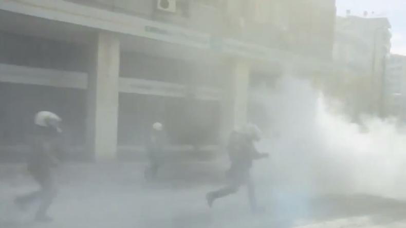 Athen: Sturm aufs Agrarministerium - Bauernproteste kippen in Gewalt um