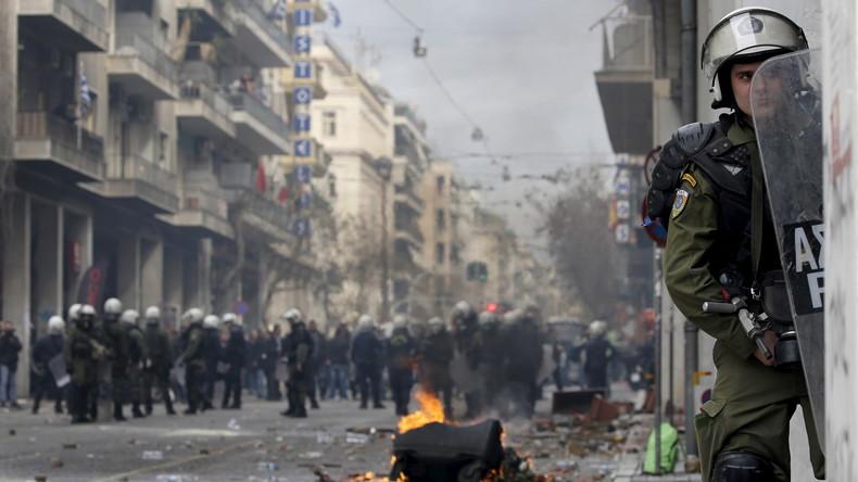 Gegen weitere Sparmaßnahmen: Straßenschlacht zwischen Polizei und Demonstranten in Athen