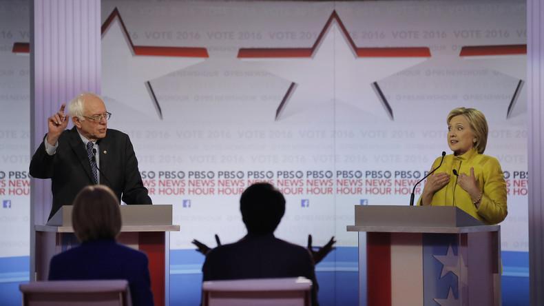 Anklage gegen die Außenpolitik seines Landes: Bernie Sanders bringt die ehemalige Außenministerin mit ihrem Lieblingsthema in Bedrängnis, in der PBS NewsHour in Milwaukee, 11. Februar 2016.