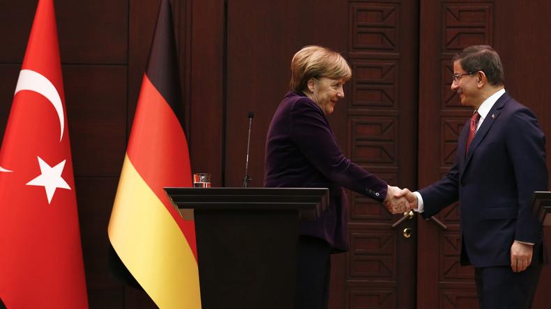Bundeskanzlerin Merkel unterstützt Türkei und spricht sich für Flugverbotszone über Syrien aus