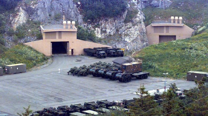 """""""Volle Kampfbereitschaft"""" - USA ziehen ihre Waffen in Höhlen unweit der russischen Grenze zusammen"""
