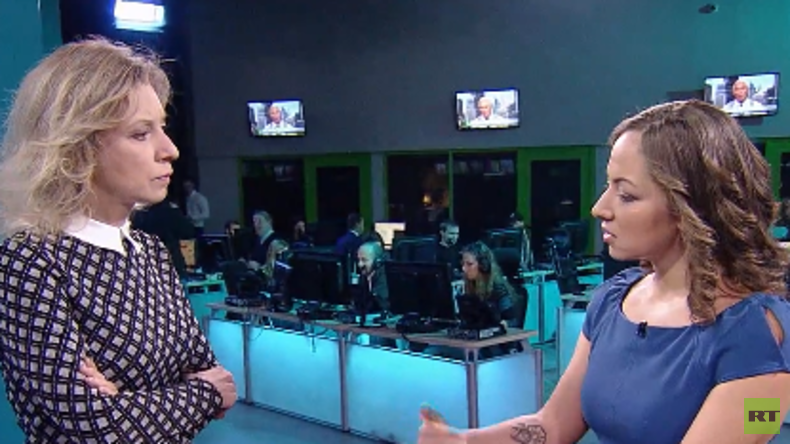Ohne Tabus: RT-Moderatorin Anissa Naouai interviewt Außenamtssprecherin Maria Sacharowa