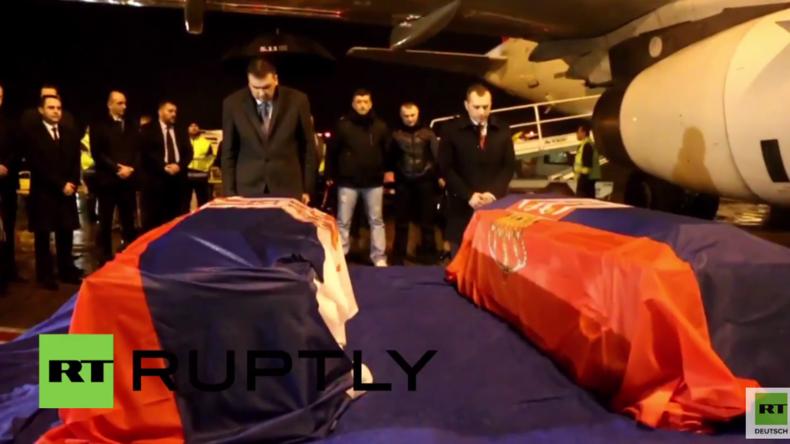 Belgrad: Körper der serbischen Diplomaten überführt, die bei US-Luftangriff in Libyen getötet worden