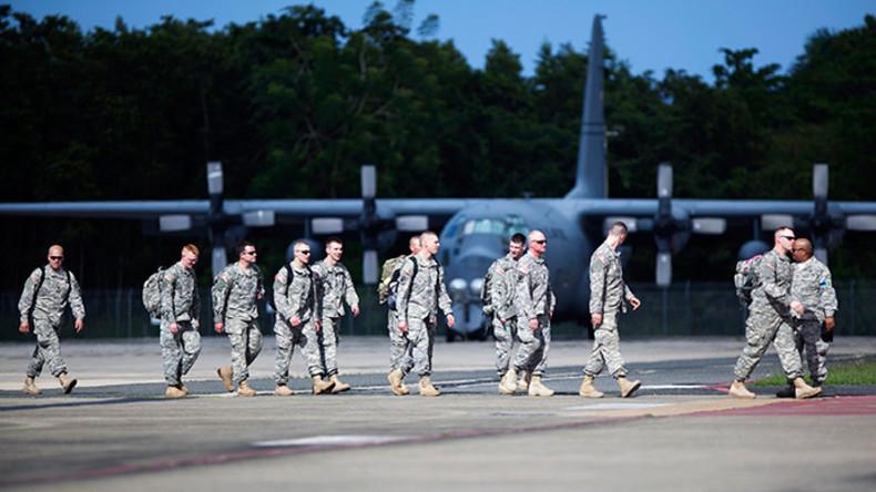 US-Soldaten landen auf der Luftwaffenbasis Muniz in San Juan, Puerto Ricoo.