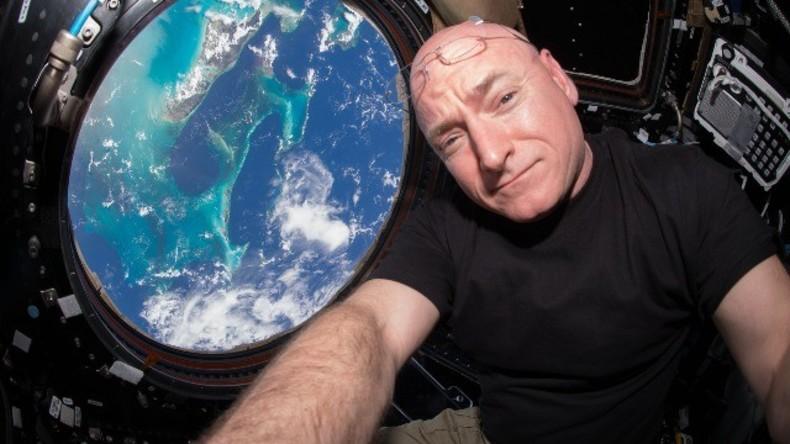 NASA Astronaut Scott Kelly hält letzte Pressekonferenz nach fast einem ganzen Jahr im All