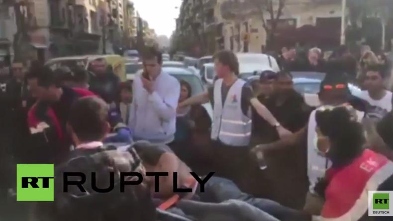 Gestrandet in Athen: Zwei Flüchtlinge versuchen sich auf dem Viktoria-Platz zu erhängen