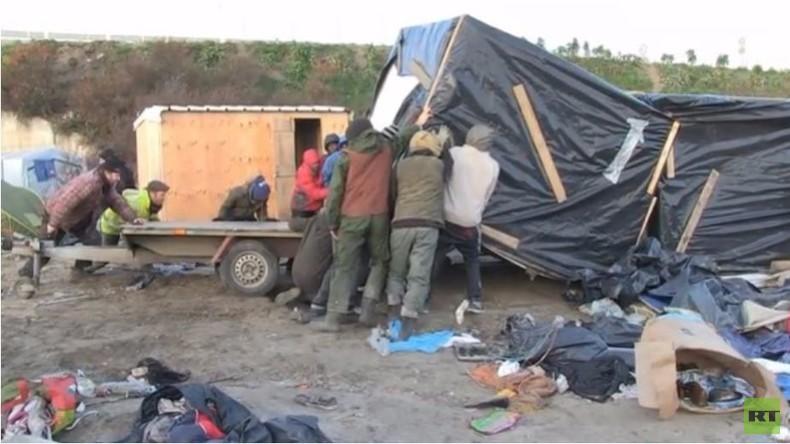 """Live aus Calais - Proteste bei Räumung des Flüchtlingscamps """"Der Dschungel"""""""