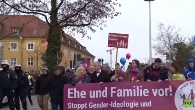 """""""Demo für alle"""" in Stuttgart: Zeichen einer gespaltenen Gesellschaft?"""