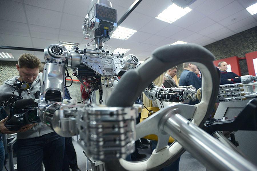 Astrodroid? Russische Entwickler bauen ferngesteuerten Roboter für Außeneinsätze im Weltall