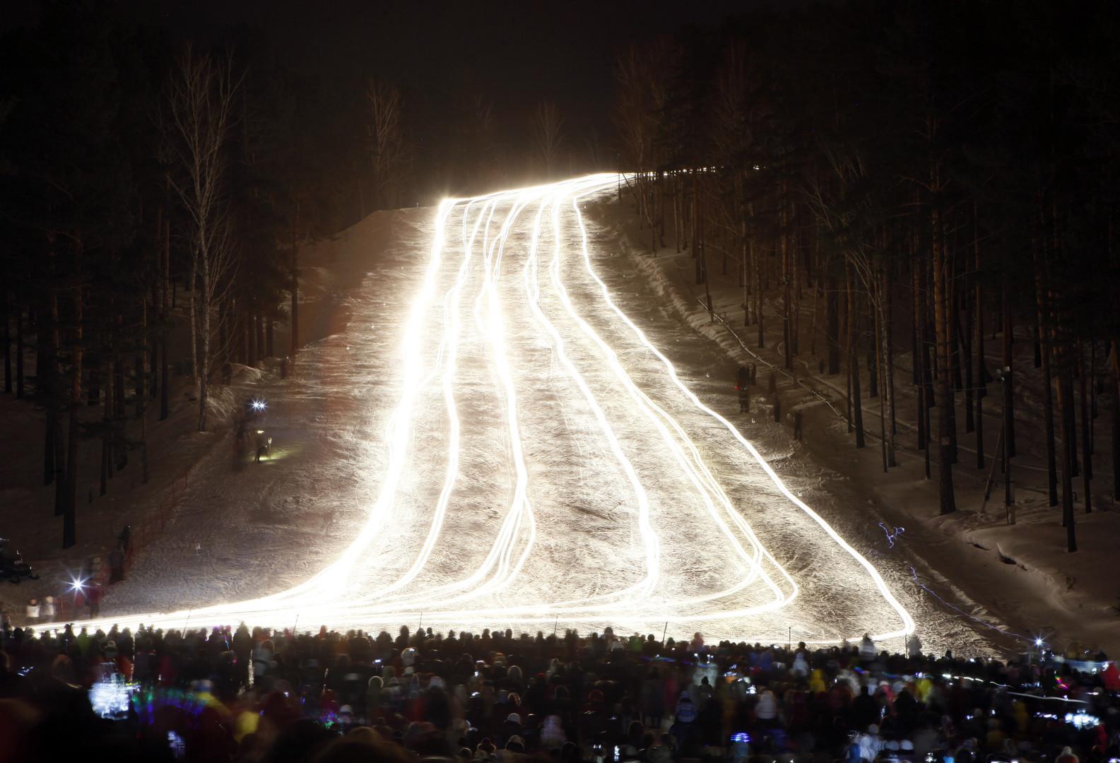 """RT Deutsch-Bildergalerie: """"Lichter im Schnee"""" - Winterfackel-Festival in Sibirien"""