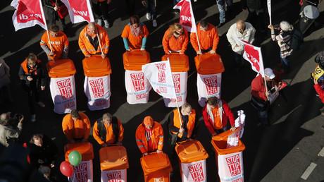 Auch die Berliner Müllabfuhr demonstrierte am 10. Oktober 2015 gegen TTIP
