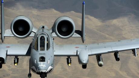 US-amerikanische Fairchild-Republic A-10 Thunderbolt II (deutsch Donnerkeil), unter Piloten auch Warthog (Warzenschwein) genannt, bombardierten am Mittwoch die syrische Metropole Aleppo, doch für Westmedien war