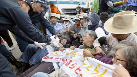 Protest gegen den US-Militärstützpunkt auf der japanischen Insel Okinawa