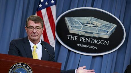 Für US-Verteidigungsminister Ash Carter kommt alles Böse und alles Leid aus Russland...