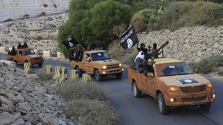 Gestern Freiheitskämpferm, heute Terroristen: Derna's Islamic Youth Council, eine ehemalige Miliz, die heute mit ISIS kämpft, Derna, Oktober 2014.