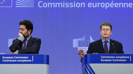Die Gesprächspartner am Freitag in Brüssel: Für die EU Ignacio Garcia Bercero (links) und für die US-Seite Dan Mullaney (rechts) 26. Februar 2016.