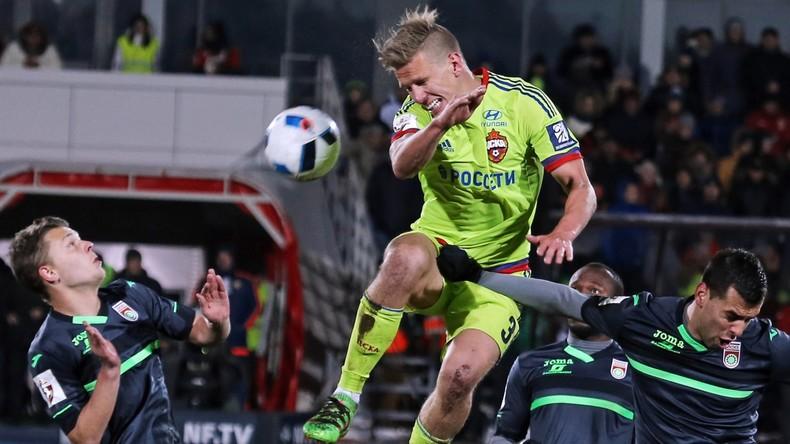 ZSKA Moskau in der Offensive gegen den FC UFA.