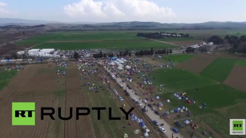 Griechenland: Drohne zeigt Gesamtbild des Flüchtlingsstaus an der mazedonischen Grenze in Idomeni